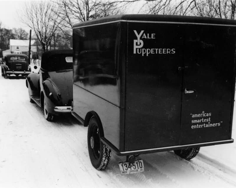 Roadshow Vehicles in the snow, 1939