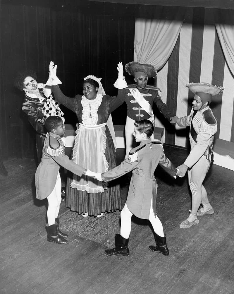 "Odetta and Cast Members on stage of ""Tommy Turnabout's Circus"""